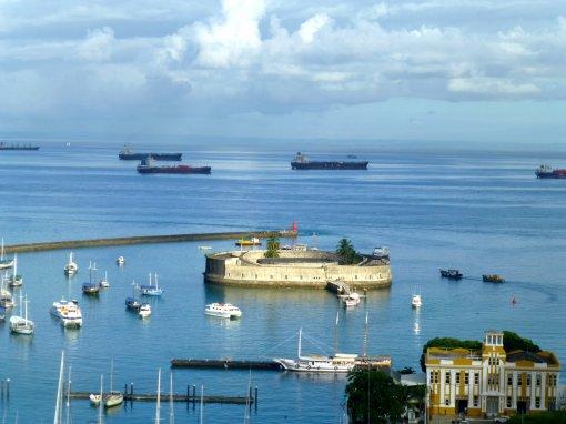 Navios internacionais ficam em quarentena na costa de Salvador | Bahia em tempo real