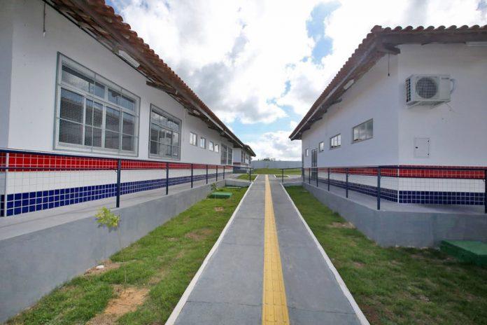 Governo assina conv�nio com a Coelba para democratizar acesso � internet banda larga na Bahia   Bahia tempo real