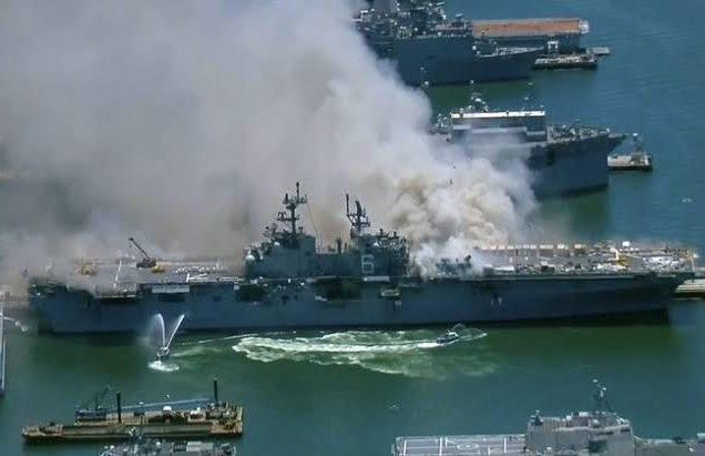 Navio pega fogo em San Diego, nos EUA, e 21 pessoas ficam feridas