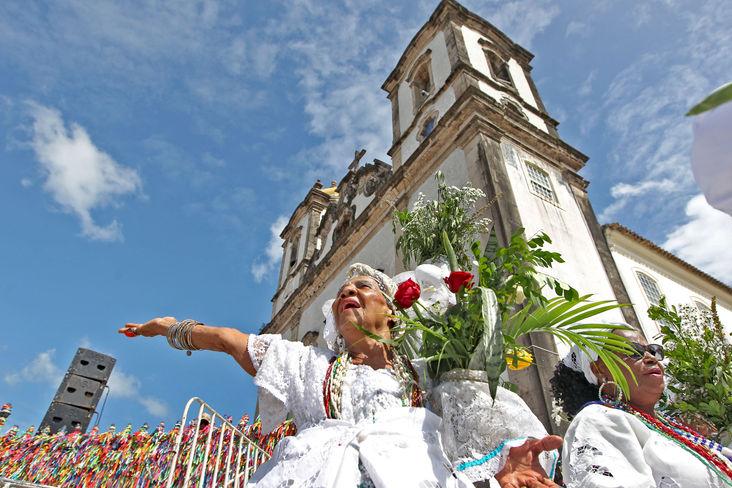 Lavagem do Bonfim encanta turistas que visitam Salvador   Bahia em tempo real