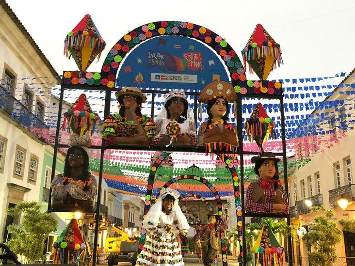 Pelourinho tem decoração junina com o tema Respeita as Mina | Bahia em tempo real