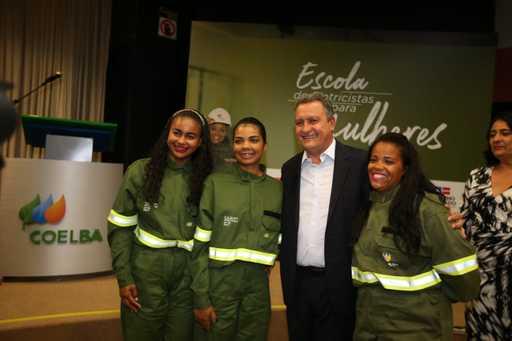 Escola de eletricistas oferece capacitação profissional para mulheres | Bahia em tempo real