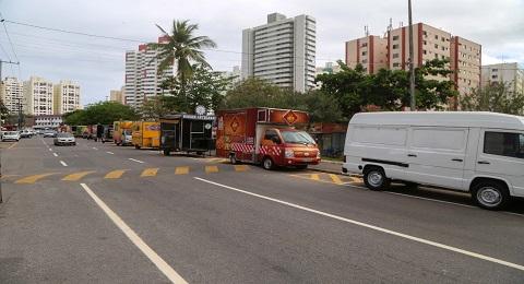 Após ordenamento, food trucks retornam ao Imbuí | Bahia em tempo real