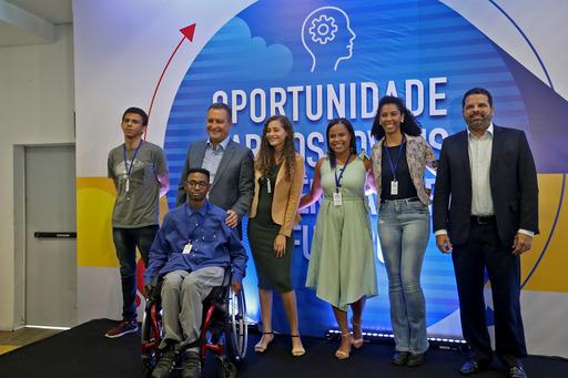 Mais de mil estudantes do Partiu Estágio assinam contrato para atuar em órgãos públicos | Bahia em tempo real