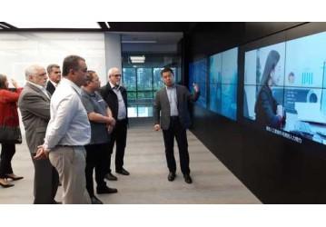 Em Pequim, empresa apresenta sistema de reconhecimento facial a Rui