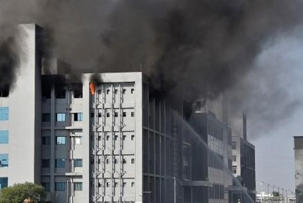 Incêndio atinge sede de fabricante da vacina de Oxford contra Covid-19 na Índia | Bahia tempo real